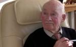 英国89岁老人无聊透顶 报纸上登广告求职