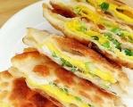 饺子皮做成的简易版鸡蛋灌饼,有创意,就是这么得瑟!