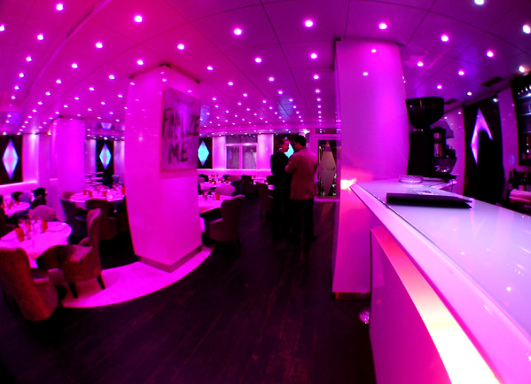 music-hall-bar1.jpg
