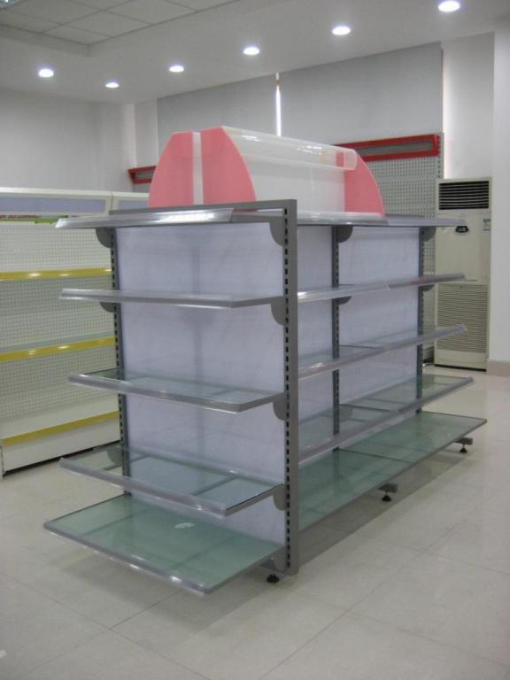 意大利  89CF   出售店铺,餐馆 装修材料 家具等