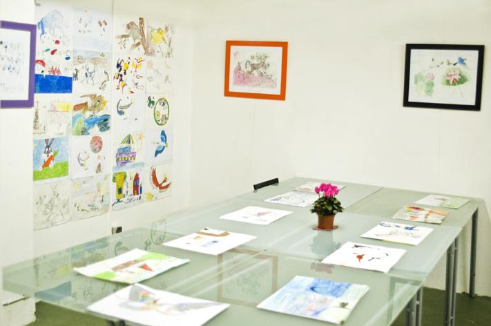 ti艺术绘画学校于2008年2月始开设儿童绘画班,以中西方绘画技巧和艺