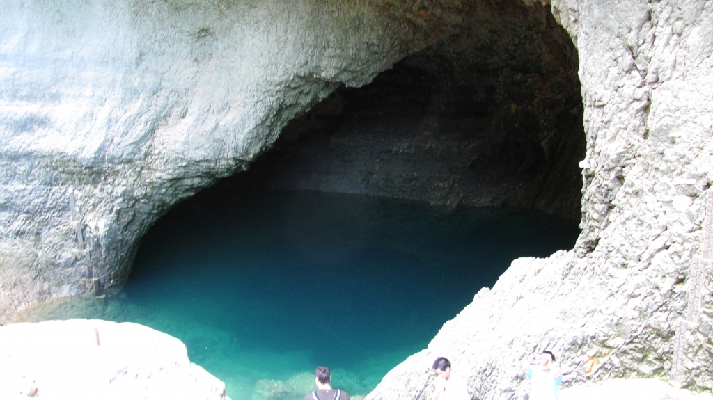 泉水洞,深有800多米