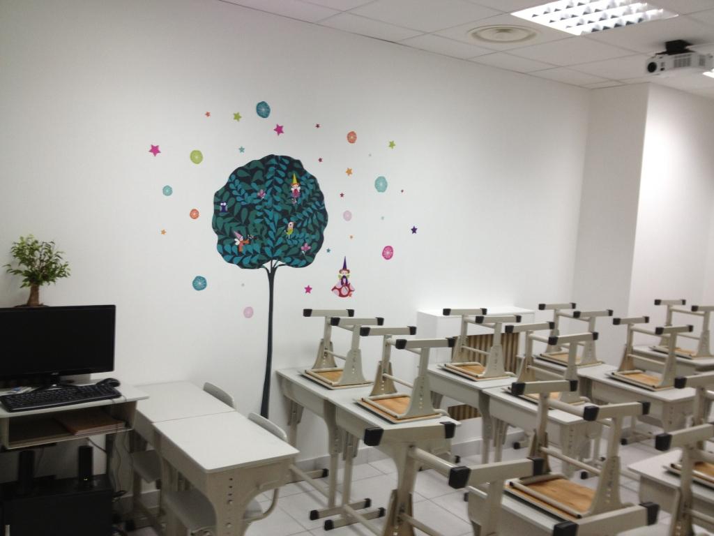 少儿绘画教室装修
