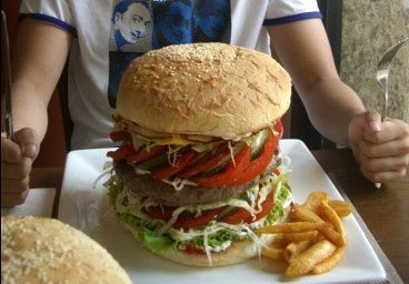 上海一家汉堡店 汉堡138元一个
