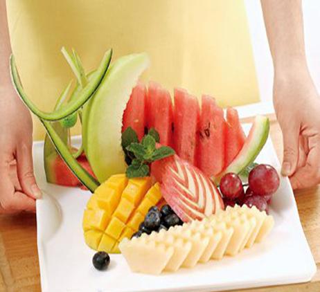 家宴造型巧心思花式水果拼盘 教程