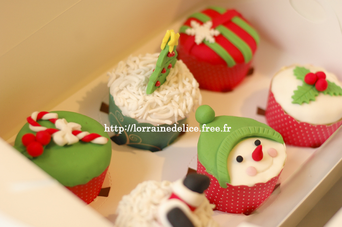 noel2 cupcake.jpg