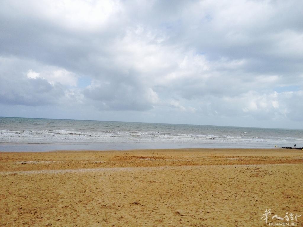 诺曼底Cabourg海滩----挖蛤蜊的特殊技巧奉献给大家!