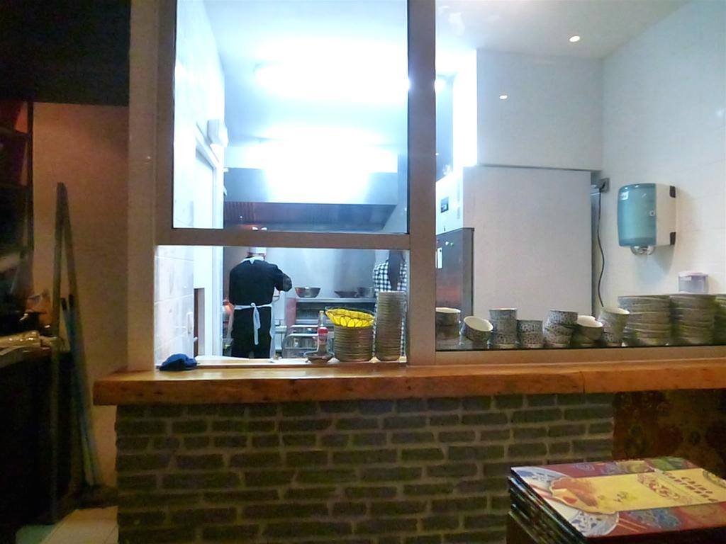 餐馆厨房装修效果图-餐馆厨房设计图片-小餐馆厨房的照片-饭店厨房