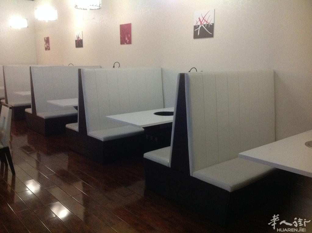 转让卡座沙发 联系0609682499 - 餐馆设备区 - 华人街