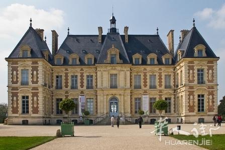 请建筑师雅克德拉盖普耶尔(jacques de la guêpière)修了动物园的