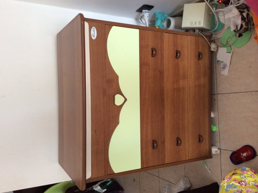 bari附近出售洗衣机 冰箱 洗碗柜 单.双人床 婴儿柜子等家具
