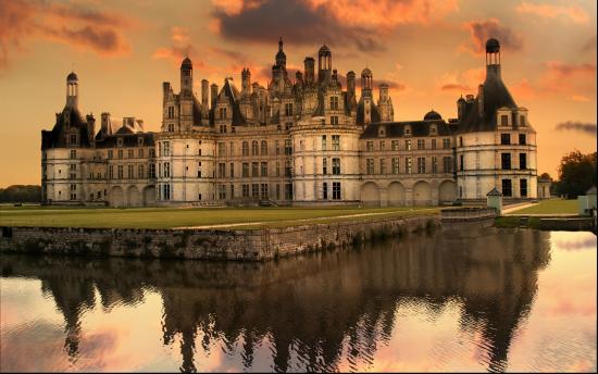 时尚、美食、古堡、薰衣草、奢华皇室?   随着法国这个旅游目的地的