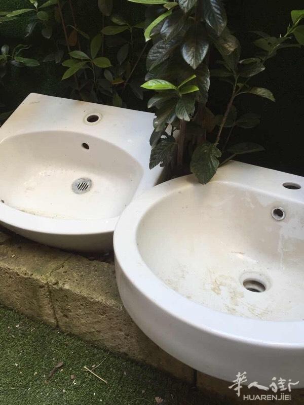 低价出售两个水槽  木板   盖giardino