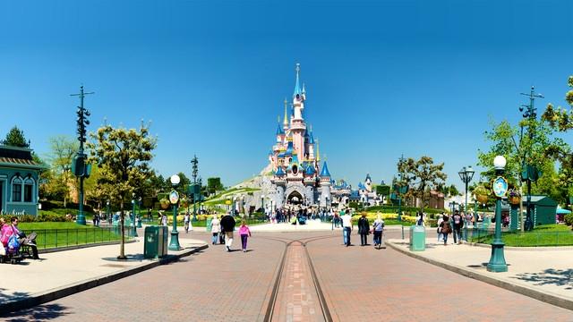 n013047_2019mai13_sleeping-beauty-castle_16-9.jpg