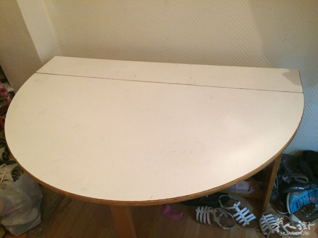 桌子10欧