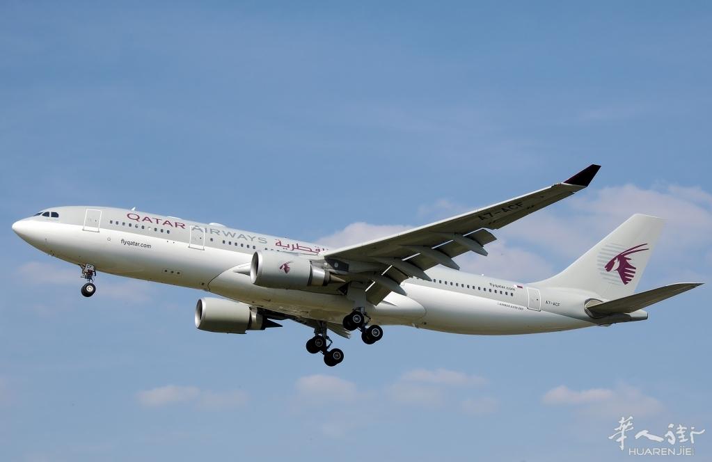 国泰港龙航空客机起飞后引擎冒烟 紧急折返安全迫降