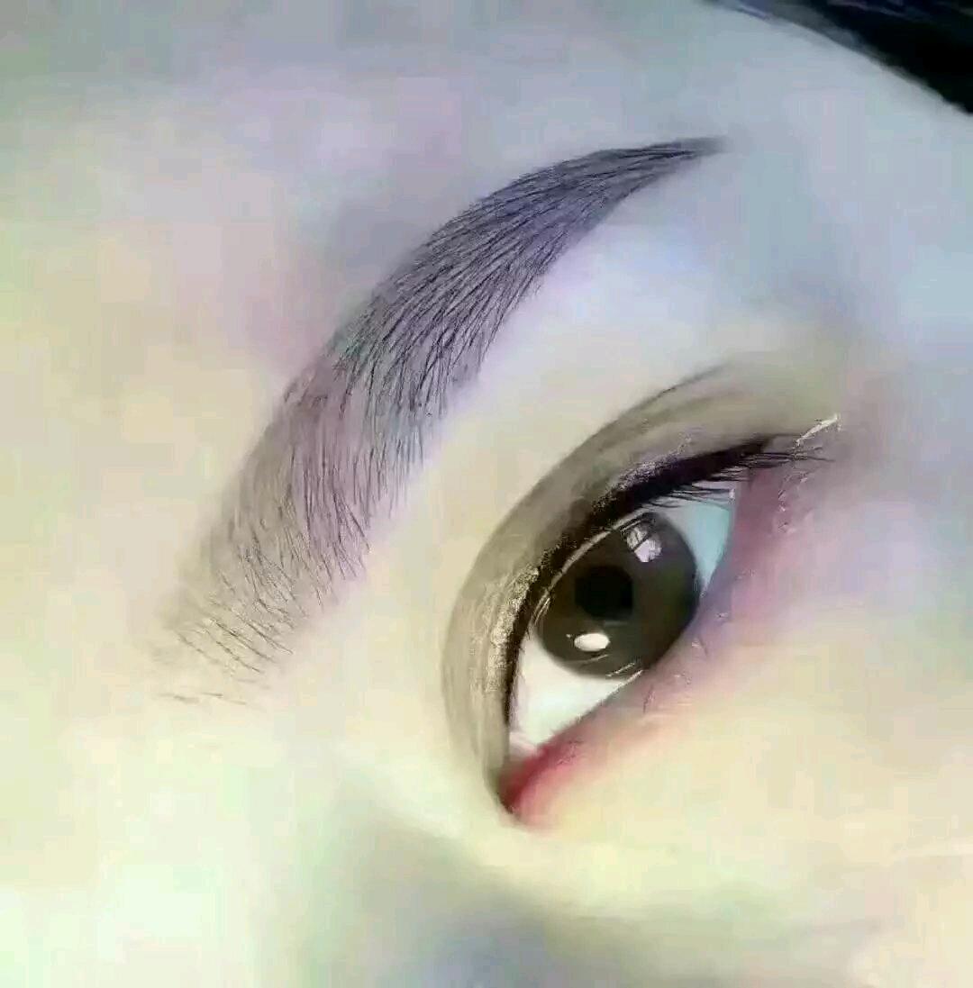 专业眉眼唇半永久定妆,有需要的联系我