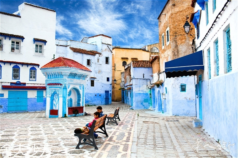 square-of-chefchaouen-medina.jpg