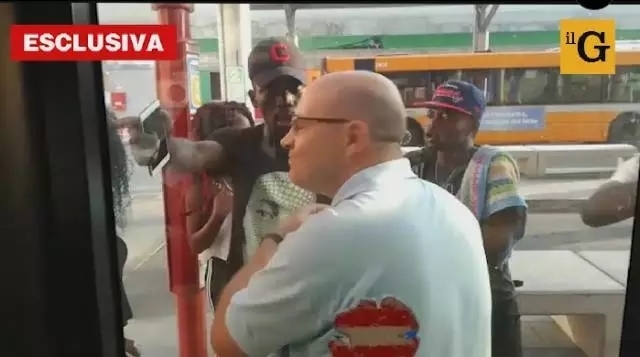 意公交车司机惨遭非裔青年暴打! 移民问题又被推上风口浪尖
