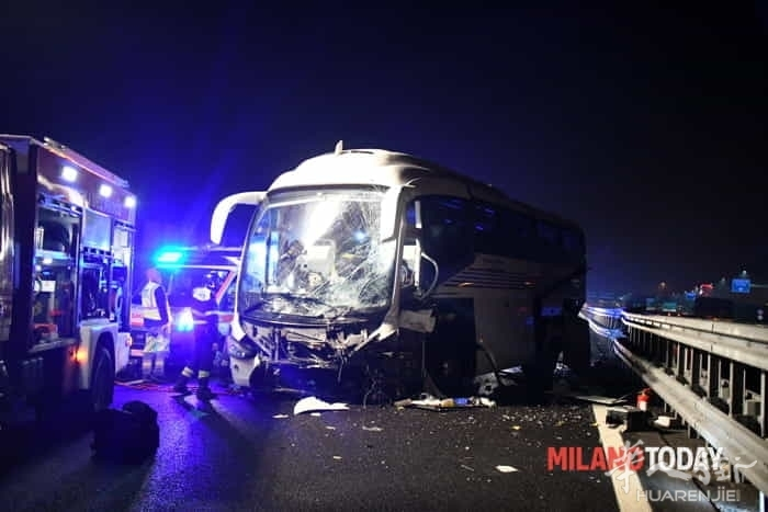 incidente-pullman-autostrada-8.jpg