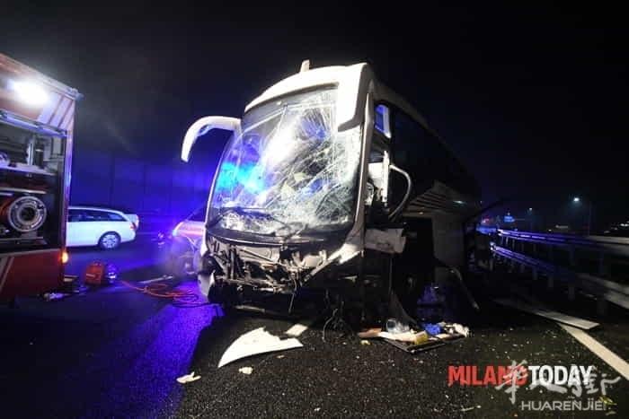 incidente-pullman-autostrada-10.jpg