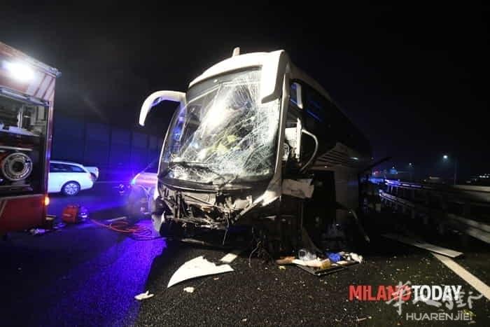 incidente-pullman-autostrada-11.jpg