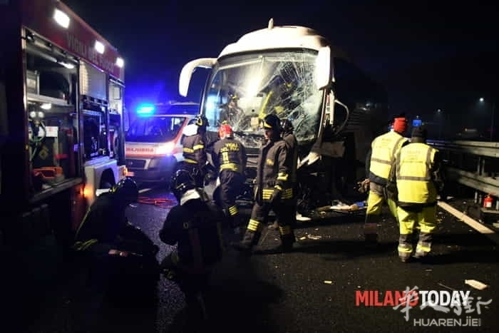 incidente-pullman-autostrada-17.jpg