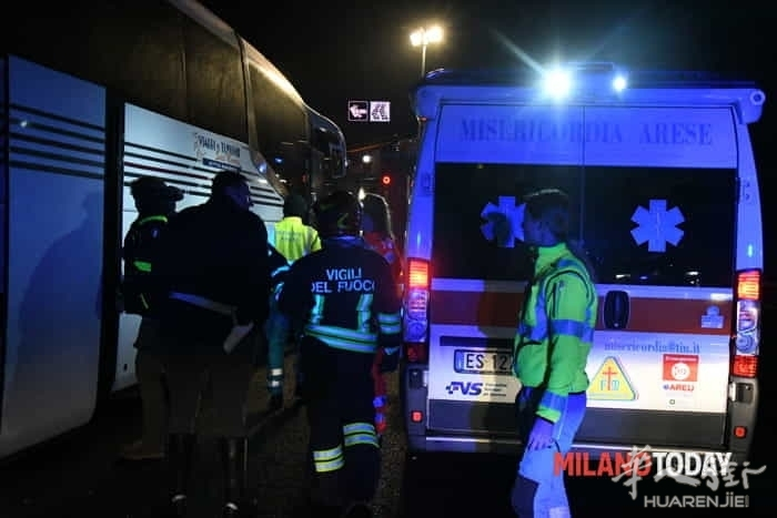 incidente-pullman-autostrada-20.jpg