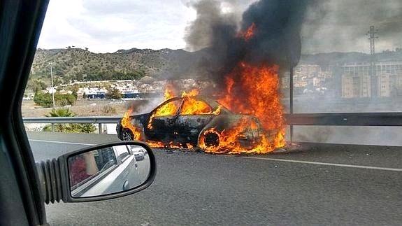 马拉加华人开车,半路起火引发全市恐慌