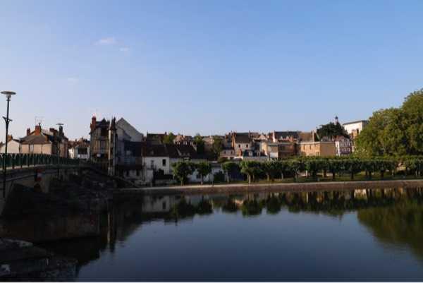 小城镇一角,安静恬淡,悠远静逸。感受此时的静美,自在安