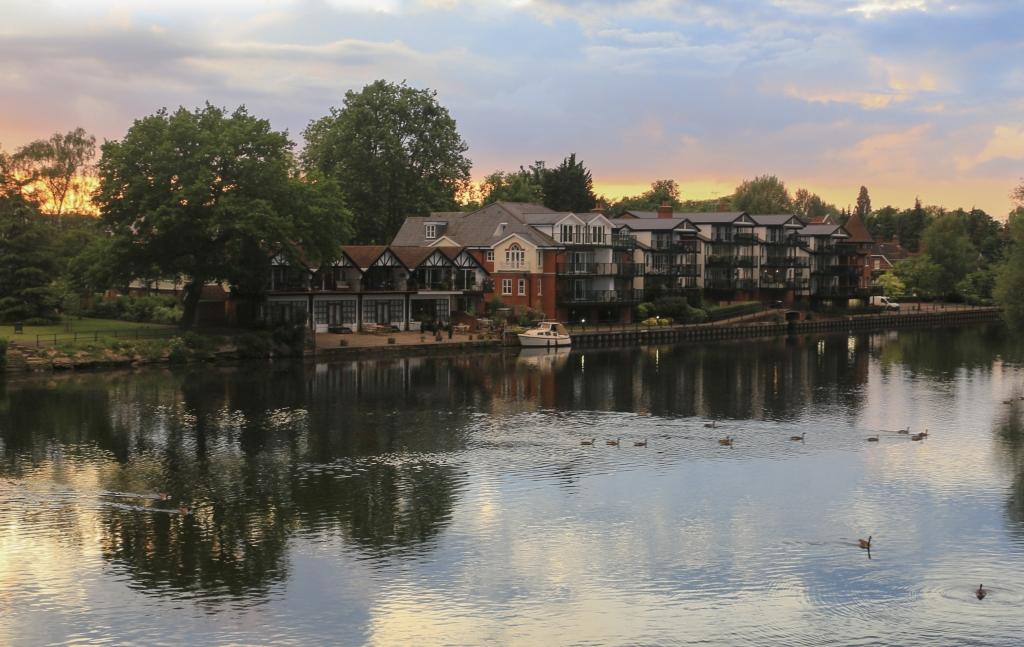 英国小镇夕阳美