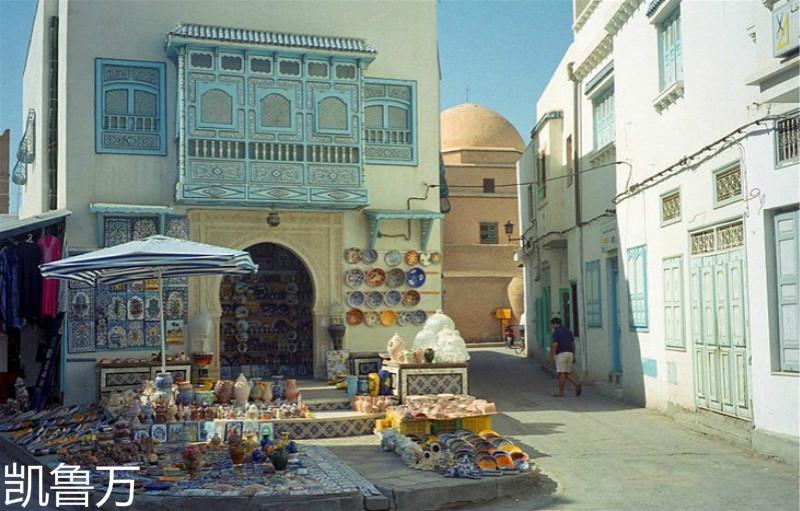 tunisia-kairouan-new-town-ceramic-store-at-medina-entry.jpg