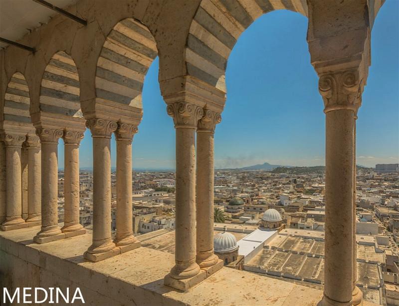 1000px-Minaret_of_Mosque_Zitouna.jpg