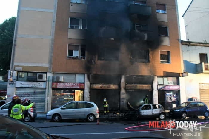 Incendio in via Padova vigili fuoco e ambulanza - Bennati (8).jpeg