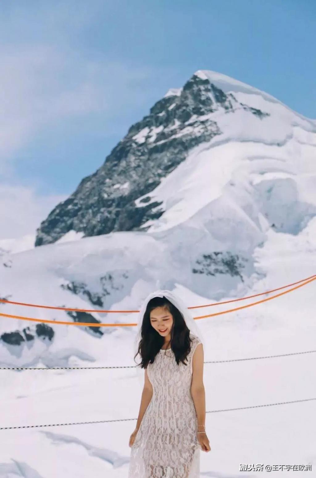 乘坐瑞士百年齿轮小火车,到达欧洲最高峰——少女峰峰顶