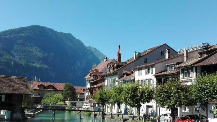 瑞士的因特拉肯城市景色