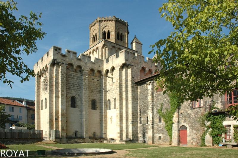 France_Auvergne_Rhone_Alpes_63_Royat_Eglise_Saint_Leger_03.jpg