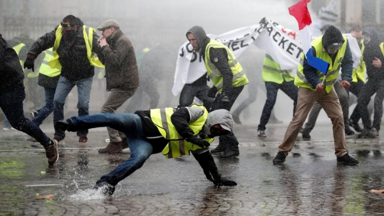 2018-11-24t132446z_787281418_rc1680b18a50_rtrmadp_3_france-protests_1_0.jpg