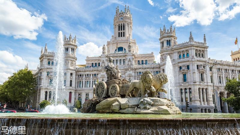 la-monumentalidad-de-la-plaza-cibeles_meitu_8.jpg
