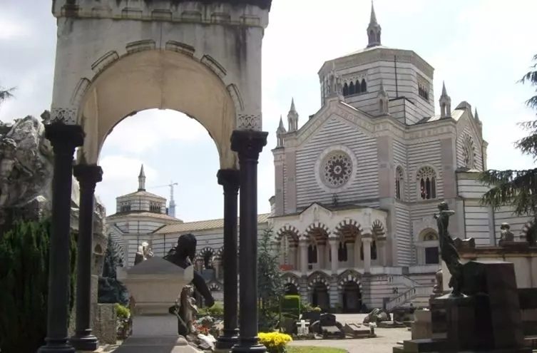 米兰一个公墓90万欧元出租99年!