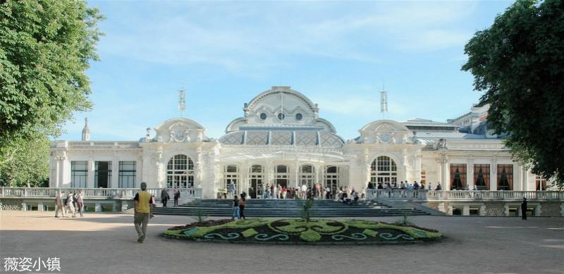 Palais-des-Congrès-Opéra-©Ville-de-Vichy-Laurence-Plancke-1_meitu_1.jpg