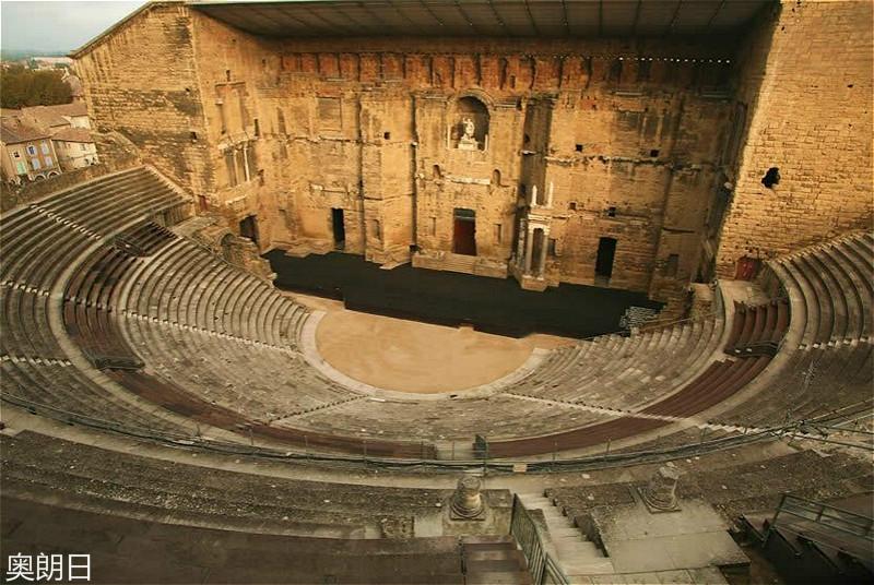02-theatre-antique-orange_meitu_4.jpg