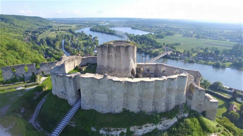prise-de-vue-aerienne-par-drone-chateau-gaillard_meitu_3.jpg
