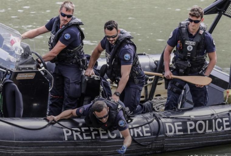 巴黎:塞纳河中又捞出尸体,已腐烂