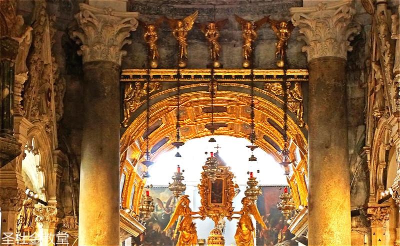 interieur-cathedrale-saint-domnius_meitu_37.jpg