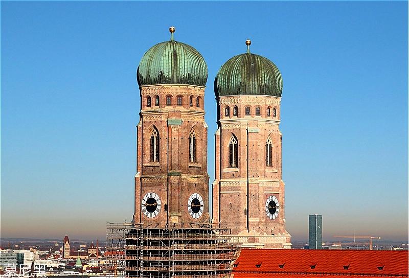 Frauenkirche2-e1507649286171_meitu_84.jpg
