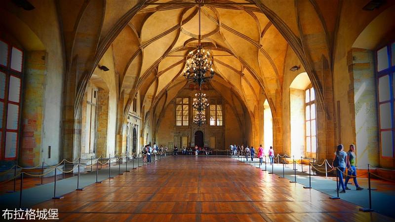 Prague_-_Old_Royal_Palace_(21757497110)_meitu_18.jpg
