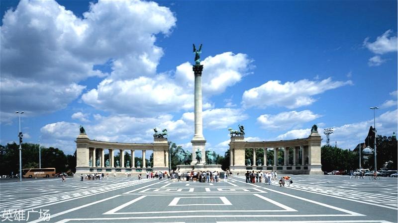 budapest-heroes-square-7_meitu_6.jpg