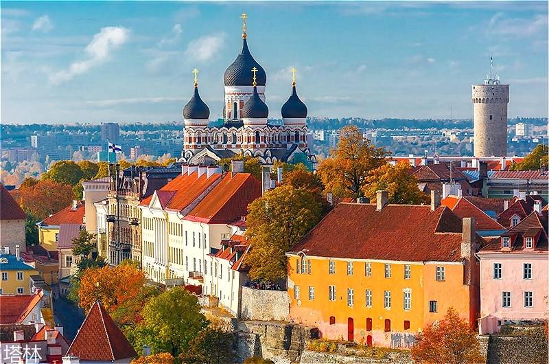 Aerial-view-old-town-Tallinn-Estonia_meitu_9.jpg