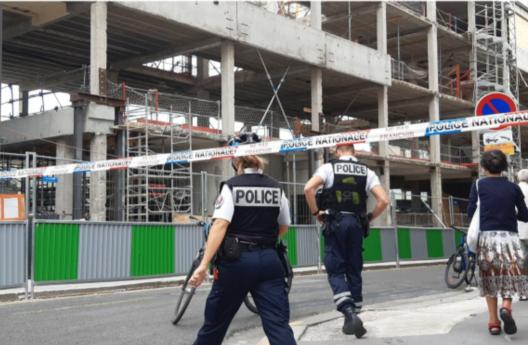 巴黎一工地施工平臺倒塌,一死三傷